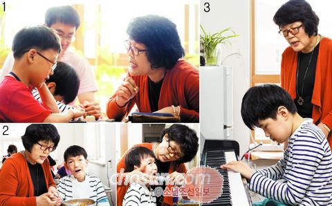 1 회전의자를 돌려가며 맞춤형 수업을 하는 김순진 선생님. 2 태건이의 점심 식사를 돕고 이를 닦아주는 선생님의 모습. 3 피아노 치는 현서를 흐뭇하게 바라보는 선생님.