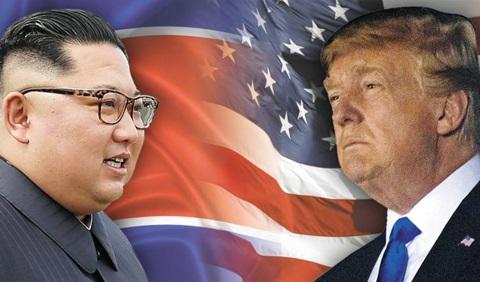김정은(왼쪽) 북한 국무위원장과 트럼프 미국 대통령이 오늘(12일) 싱가포르에서 역사상 첫 북·미 정상회담을 갖는다.