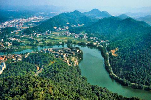 양쯔강 중류 유역. 양쯔강은 티베트 공원에서 시작해 황해로 흘러드는 강으로 길이가 6000㎞에 이른다. 기원전 7000년 무렵에 이곳에서 세계 최초로 벼농사가 시작됐다.
