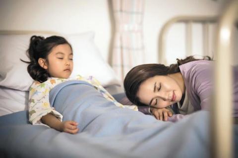 엄마 목소리, 마취서 깬 아이 불안 완화에 특효