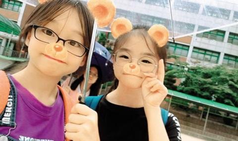 김나현 양과 단짝 유채원(왼쪽) 양.